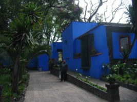 Walkway Casa Azul